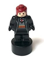 Gryffindor Student Statuette / Trophy #2, Dark Red Hair