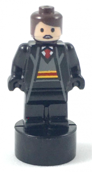 Gryffindor Student Statuette / Trophy #1, Reddish Brown Hair